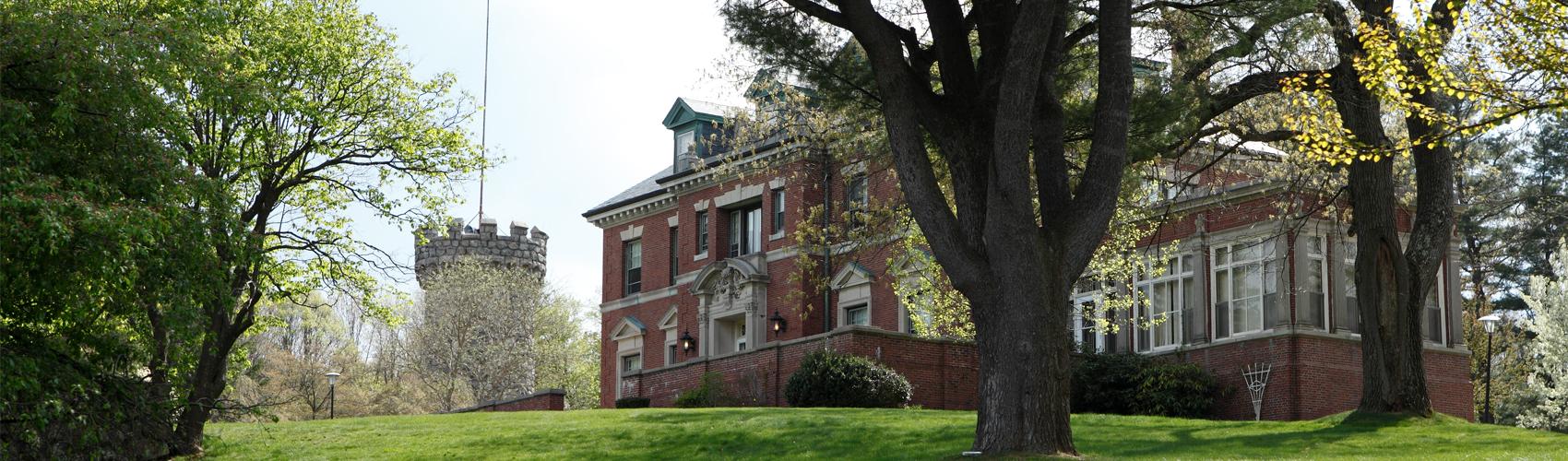 Course Finder   Regis College